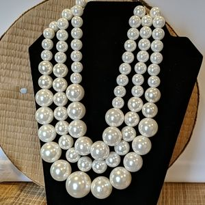 Large Chunky 3 Strand Faux Pearl Necklace NEW